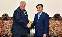 Vietnam invita a mayor participación británica en reestructuración económica