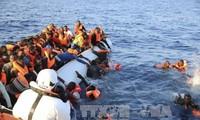 Al menos 12 muertos deja naufragio de barco de inmigrantes en Libia