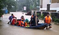 Inundaciones afectan gravemente localidades centrales de Vietnam