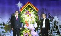 Felicitan a la comunidad católica en Vietnam por fiesta navideña