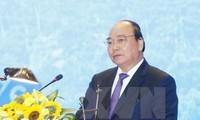 Premier de Vietnam preside reunión ordinaria mensual del gobierno