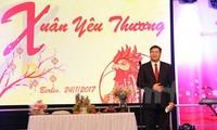 Vietnamitas en Alemania dan la bienvenida a la primavera