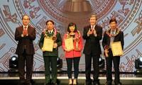 Honran obras ganadoras del Concurso de escritura sobre reforzamiento partidista en Vietnam