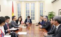 Periódico Asahi Shimbun contribuye al impulso de relaciones Vietnam-Japón