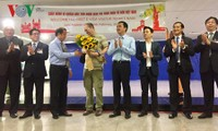 Vietnam recibe a primer turista foráneo que entra en el país con visado electrónico