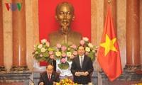 Fortalecen cooperación oficina presidencial y Frente de la Patria de Vietnam