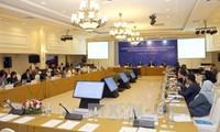 Prosigan reuniones de APEC en Nha Trang