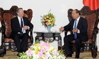 Vietnam ratifica apoyo a empresarios e inversionistas británicos