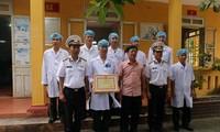 Médicos militares de Truong Sa contribuyen a la protección de soberanía nacional