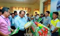 Urgen al desarrollo sostenible y aumento del valor del arroz vietnamita