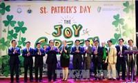 """Celebran programa """"Teñir a Hanoi de verde"""""""
