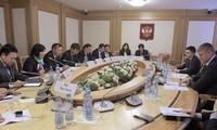 Vietnam refuerza relaciones exteriores con Rusia