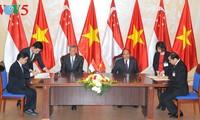 Vietnam y Singapur impulsan asociación estratégica y cooperación integral
