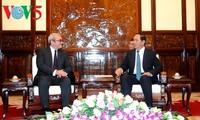 Presidente vietnamita recibe a ejecutivo de Agencia AFP