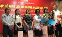 Encuentro entre escritores vietnamitas y cubanos