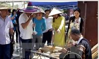 Abierto espacio cultural multicolor de las etnias vietnamitas