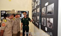 Celebran en Cuba exposición fotográfica en saludo a la reunificación de Vietnam