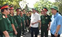 Presidente vietnamita visita a las fuerzas armadas en provincia central