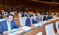 Continúan debates en la Asamblea Nacional de Vietnam para completar leyes