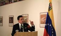 Gobierno venezolano condena el ataque de un helicóptero robado contra sedes estatales
