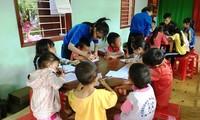 Jóvenes vietnamitas y su respuesta entusiasta a los trabajos voluntarios