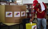 Abren colegios electorales en Venezuela para elegir a los asambleístas