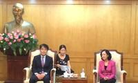 Director de la Organización Internacional del Trabajo visita Vietnam