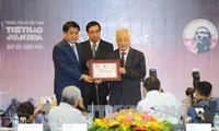 """Entregan el premio """"Bui Xuan Phai-Por el amor a Hanoi"""""""