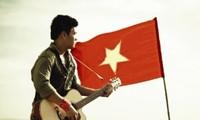 Jóvenes vietnamitas expresan el espíritu patriótico con creaciones musicales