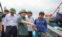 Impulsan el trabajo preventivo del huracán Doksuri en las provincias del centro de Vietnam