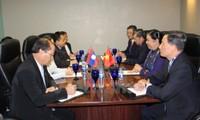 Dirigente parlamentaria de Vietnam realiza reuniones bilaterales al margen de AIPA-38
