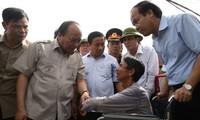 El primer ministro de Vietnam orienta la fase recuperativa tras el paso del huracán Doksuri