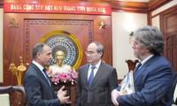 Ciudad Ho Chi Minh vigoriza los nexos con Francia, Hungría y Japón