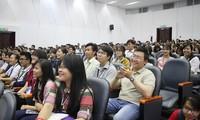 Jóvenes vietnamitas contribuyen al desarrollo económico nacional