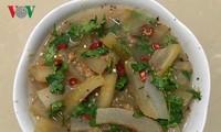 Piel de búfalo encurtido, un plato típico de los Thai