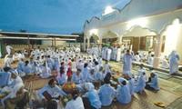 Ibadah puasa yang dijalankan komunitas orang Cham Bani di  propinsi di Ninh Thuan