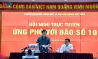 Deputi PM Trinh Dinh Dung memberikan bimbingan harus berinisiatif menghadapi taufan Doksuri