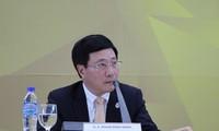 Deputi PM, Menlu Pham Binh Minh mengumumkan hasil Pekan Tingkat Tinggi APEC 2017
