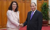 Премьер-министр Вьетнама принял министра торговли Швеции