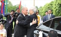 Визит Нгуен Фу Чонга в Камбоджу способстсвует активизации дружеских отношений между двумя странами