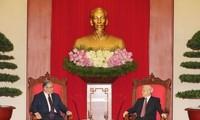 推动越南与希腊两国及两国人民友好合作关系发展