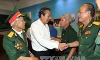 越南政府常务副总理张和平出席被敌人囚禁的老革命战士见面会