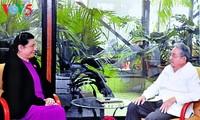 越南国会副主席丛氏放圆满结束访古行程