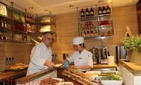 向旅居印度的国际友人展示越南饮食文化精华