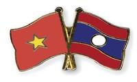 阮富仲会见老挝万象市委书记兼市长辛拉冯