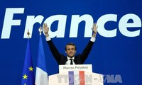 法国将同欧盟一道继续向前迈进
