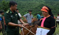 越南举行多项极具意义的活动帮助贫困者