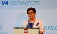 波兰总理在波法外交紧张后访问法国