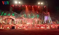 缅怀英雄烈士的艺术晚会在广平省举行