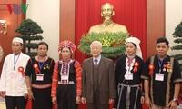 越共中央总书记阮富仲会见少数民族优秀代表